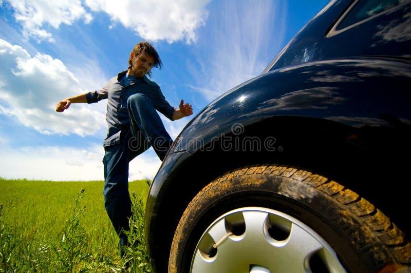 Verärgert an Auto 2 lizenzfreies stockbild