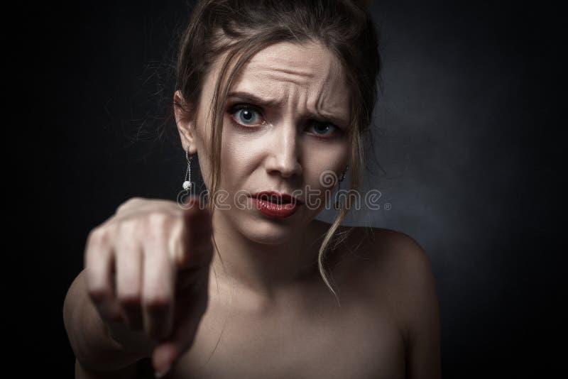 Verärgerte junge Frau stockbilder