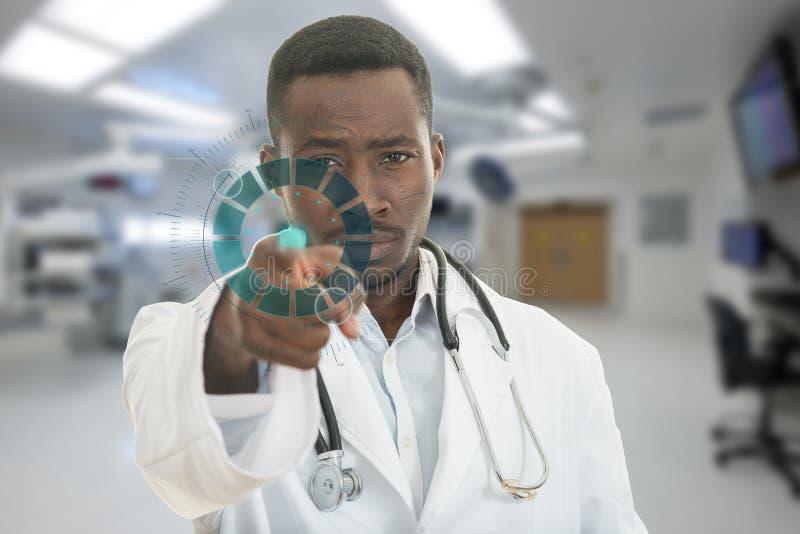 Verärgerter afrikanischer schwarzer männlicher Doktor, der Finger auf Sie mit Stethoskop um seinen Hals zeigt lizenzfreie stockbilder