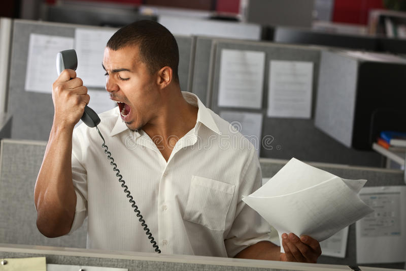 Verärgerter Büroangestellter lizenzfreie stockfotos