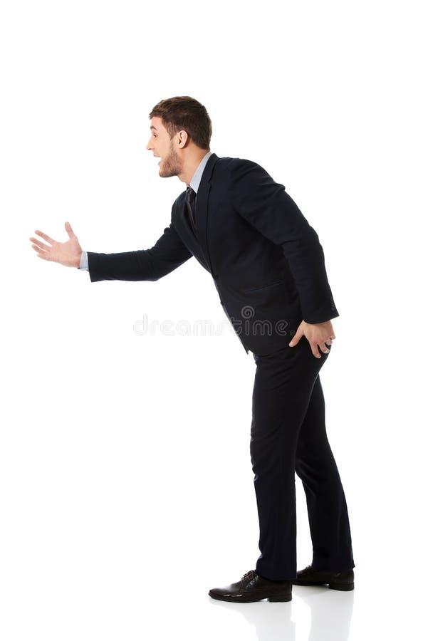 Verärgerter schreiender Geschäftsmann stockfoto