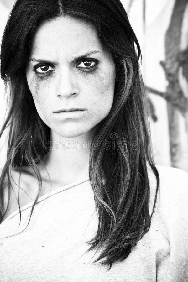 Verärgertes Frauenportrait stockbild