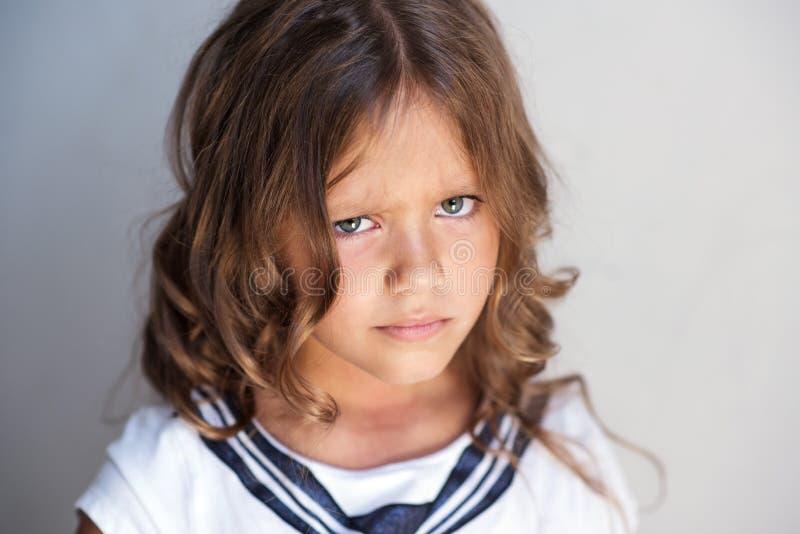 Verärgertes kleines Mädchen lizenzfreie stockfotos