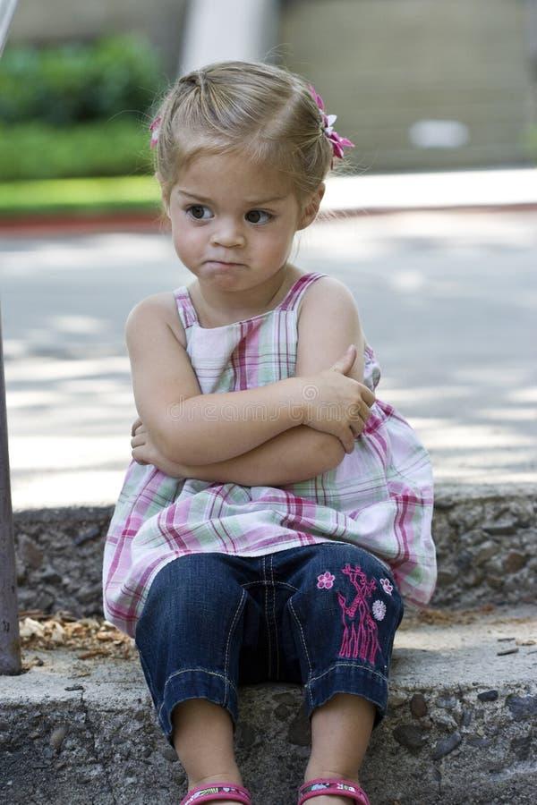 Verärgertes kleines Mädchen lizenzfreie stockbilder