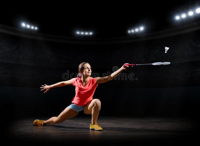 Ver del pasillo de deportes del jugador del bádminton de la mujer fotografía de archivo libre de regalías
