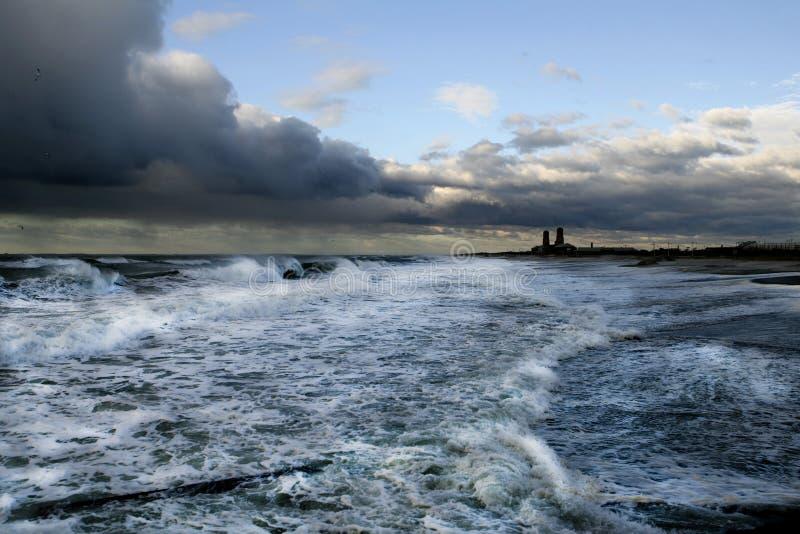 Download Ver Strand Rockaway stock afbeelding. Afbeelding bestaande uit cloudburst - 10783163