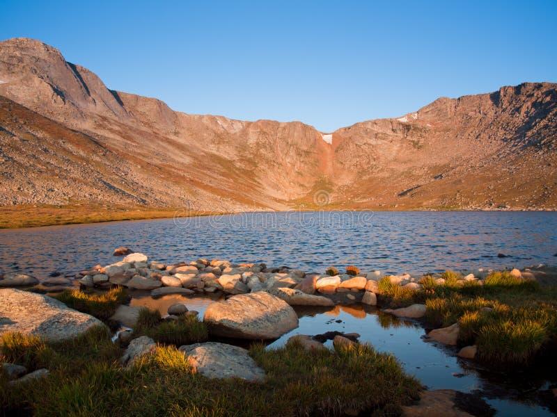 Verano alpestre en los Rockies fotos de archivo