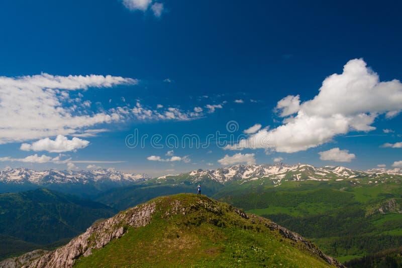 Download Verano Del Día De La Montaña Foto de archivo - Imagen de panorama, colina: 42425694