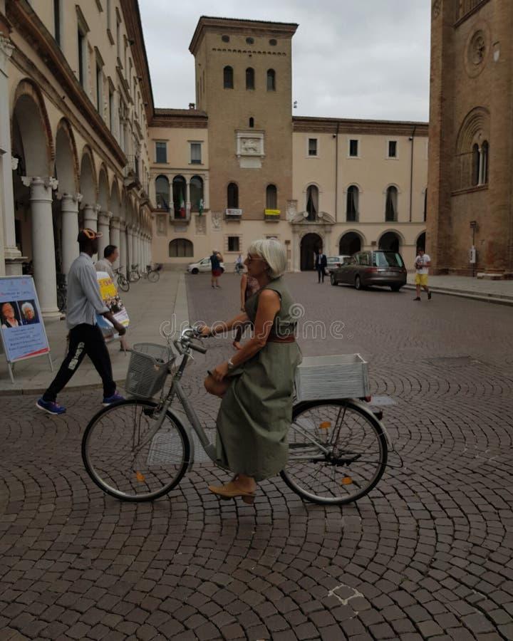 Verano en Crema Italia imagen de archivo