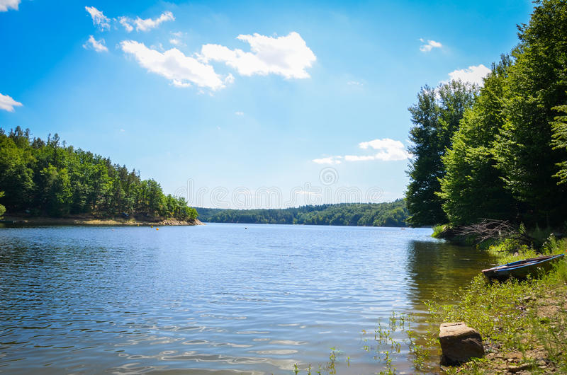 Verano en el lago imagen de archivo