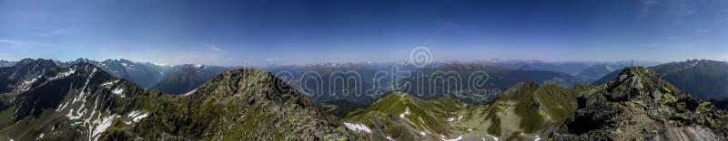 Verano en las montañas en el Tyrol foto de archivo libre de regalías