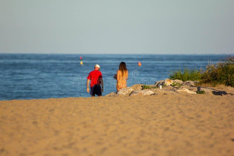 Verano Fondo foto modificada con la saturación de la playa y mar con el umbrellon imagen de archivo