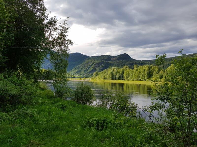 Verano por el lago imagenes de archivo
