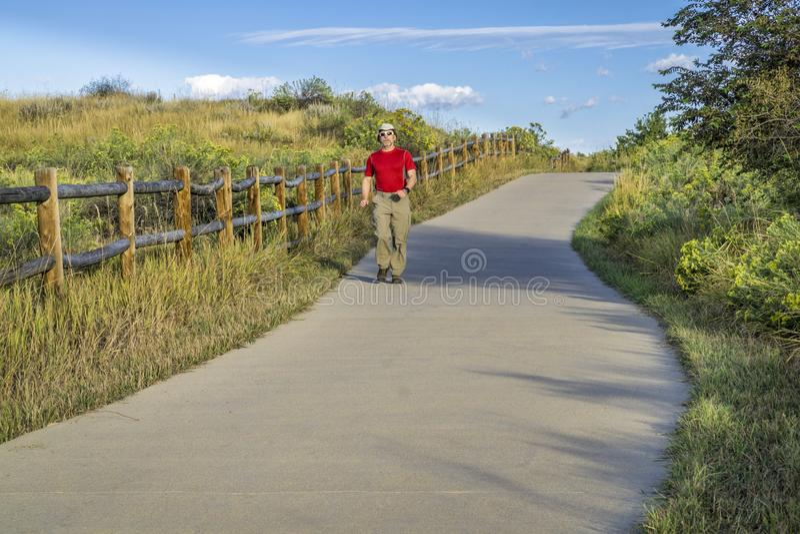 Verano que camina en rastro del río de Poudre fotos de archivo libres de regalías