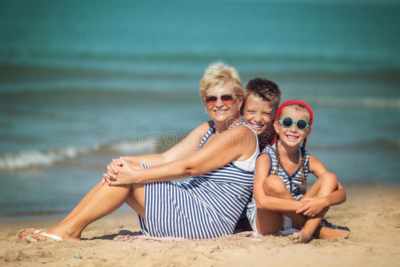 Verano, vacaciones, concepto de familia imagen de archivo libre de regalías