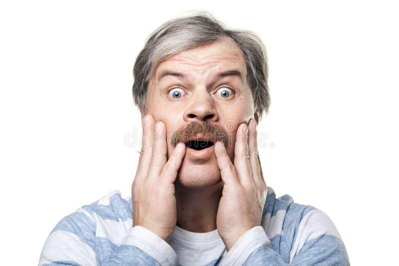 Verbaasd Rijp Mensenportret Dat Op Wit Wordt Geïsoleerds Stock Foto