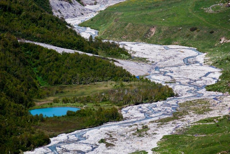 Verbazend bergmeer stock foto's