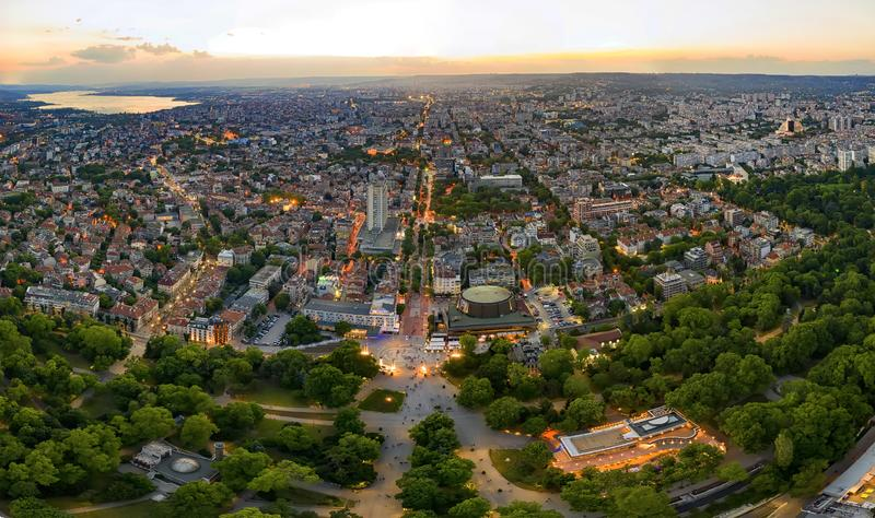 Verbazend detail luchtpanorama van de stad van Varna royalty-vrije stock fotografie