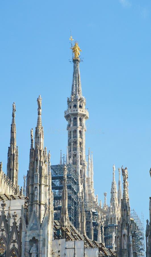 Verbazend detailla Madonnina Milan Cathedral Duomo, Italië royalty-vrije stock afbeeldingen