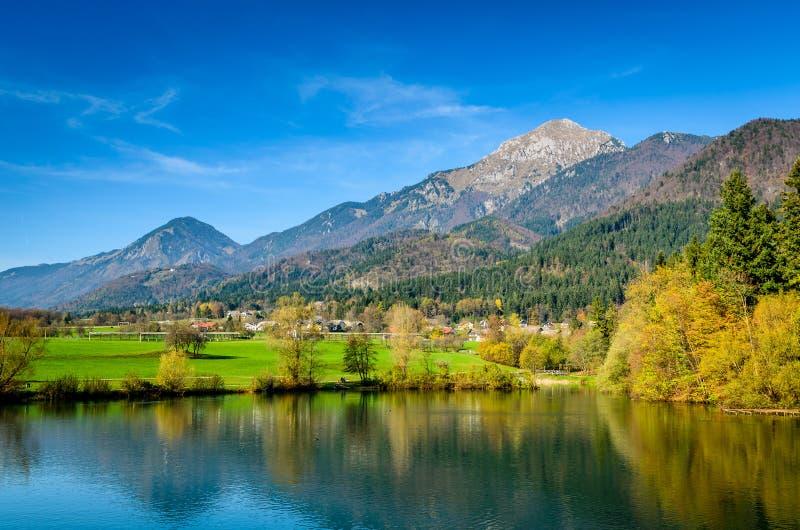 Verbazend landschap in Slovenië stock foto