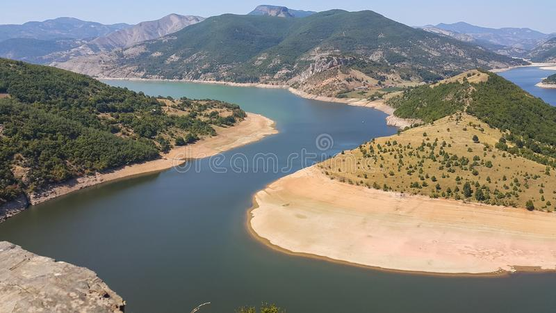 Verbazend landschap van Arda River-meander en Kardzhali-Reservoir royalty-vrije stock foto's