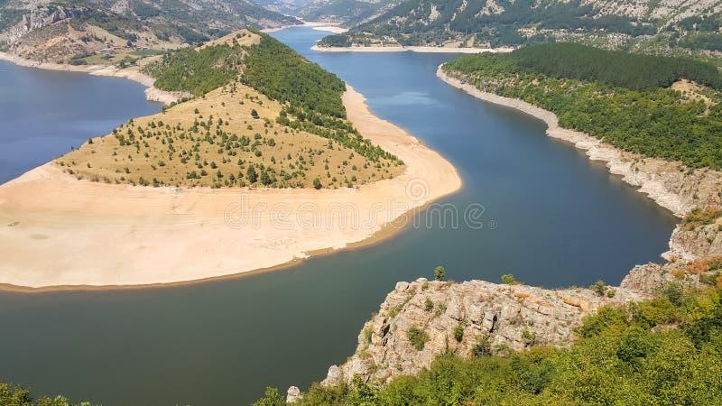 Verbazend landschap van Arda River-meander en Kardzhali-Reservoir stock fotografie