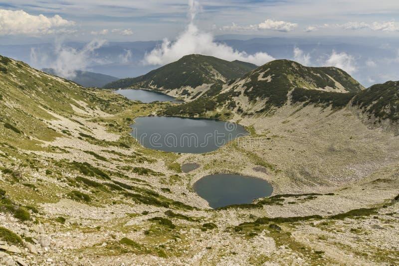 Verbazend Panorama van Kremenski-meren van Dzhano-piek, Pirin-Berg stock afbeelding