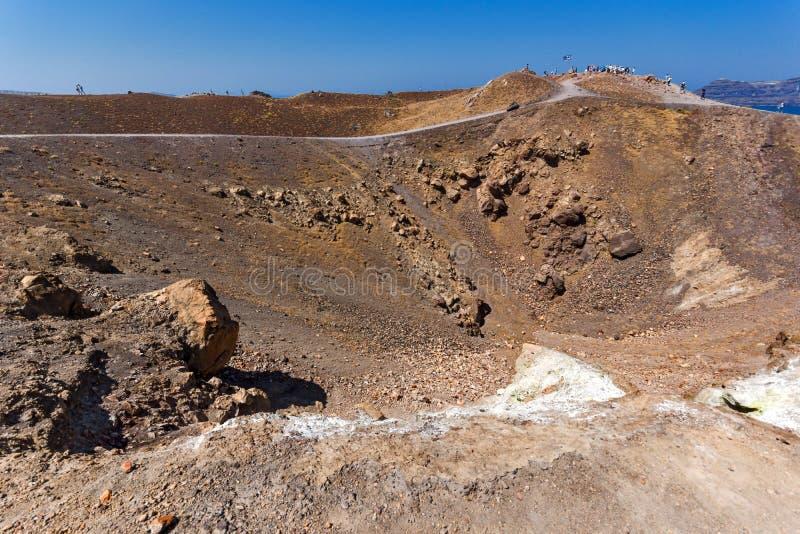 Verbazend panorama van vulkaan in Nea Kameni-eiland dichtbij Santorini, Griekenland royalty-vrije stock foto's