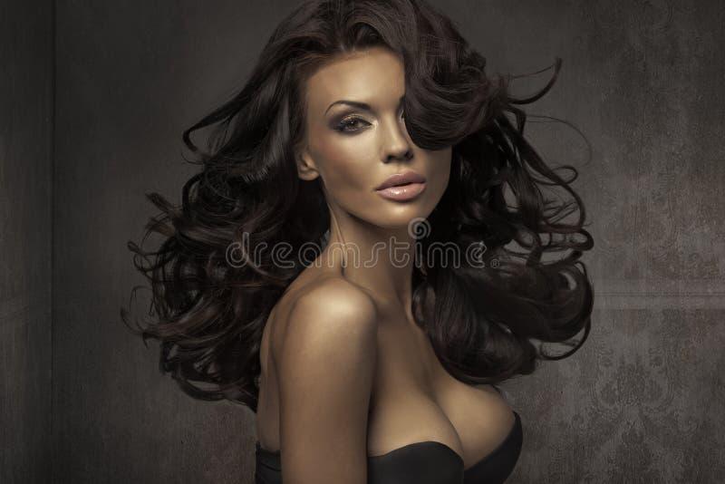 Verbazend portret van sensuele vrouw royalty-vrije stock afbeeldingen