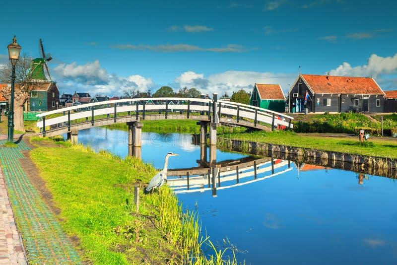 Verbazend toeristisch dorp Zaanse Schans dichtbij Amsterdam, Nederland, Europa stock afbeelding