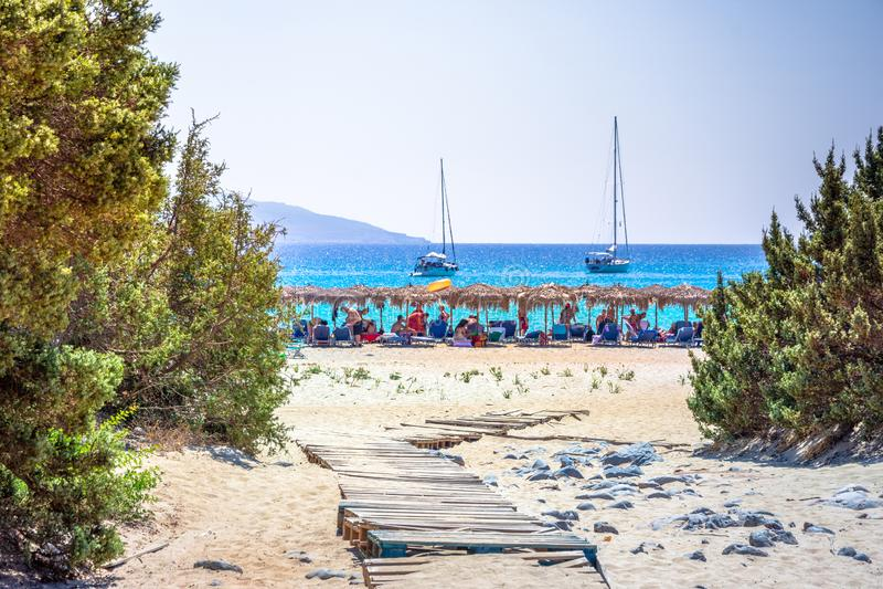 Verbazend tropisch zandig strand van Simos op Elafonissos-eiland, de Peloponnesus stock afbeeldingen