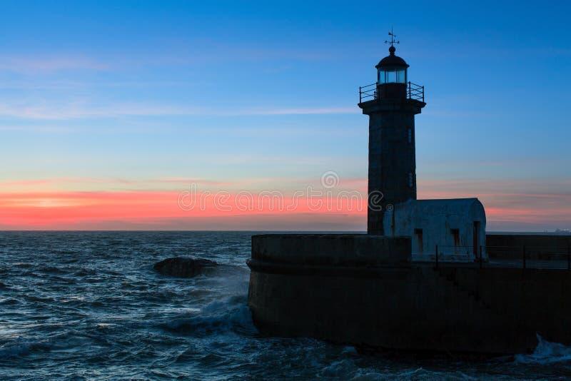 Verbazende avond op de Oceaankustlijn porto stock foto