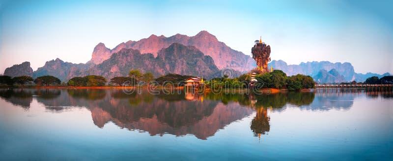Verbazende Boeddhistische Pagode in hpa-, Myanmar stock afbeelding