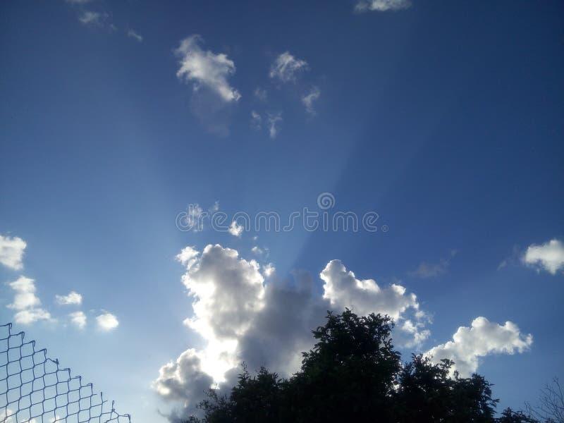 Verbazende hemelwolken royalty-vrije stock afbeeldingen