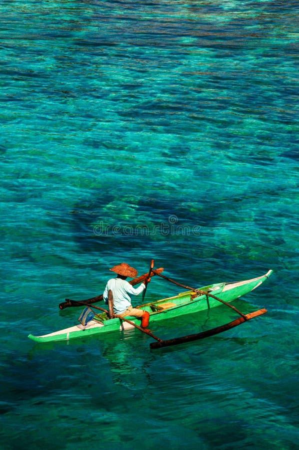 Verbazende kleuren van het water in de Filippijnen stock afbeelding