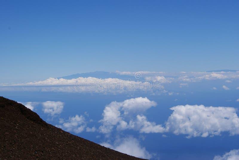Verbazende mening boven op Haleakala-vulkaankrater stock afbeelding
