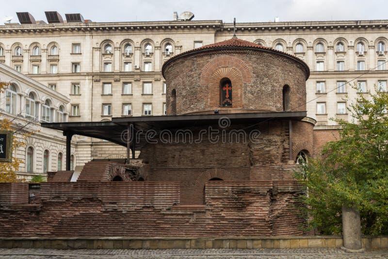 Verbazende mening van Kerk St George Rotunda in Sofia, Bulgarije royalty-vrije stock afbeeldingen