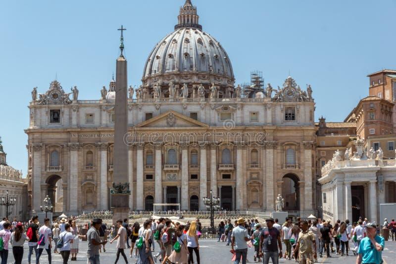 Verbazende mening van St Peter ` s Basiliek en het Vierkant van Heilige Peter ` s, de Stad van Vatikaan, Rome, Ital royalty-vrije stock fotografie