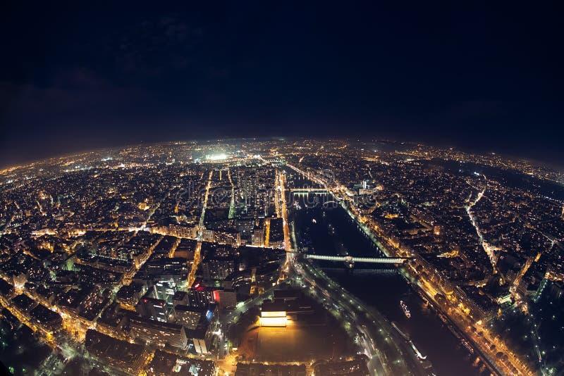 Verbazende nachtmening van de Franse toren van Eiffel; mooie horizon o stock foto