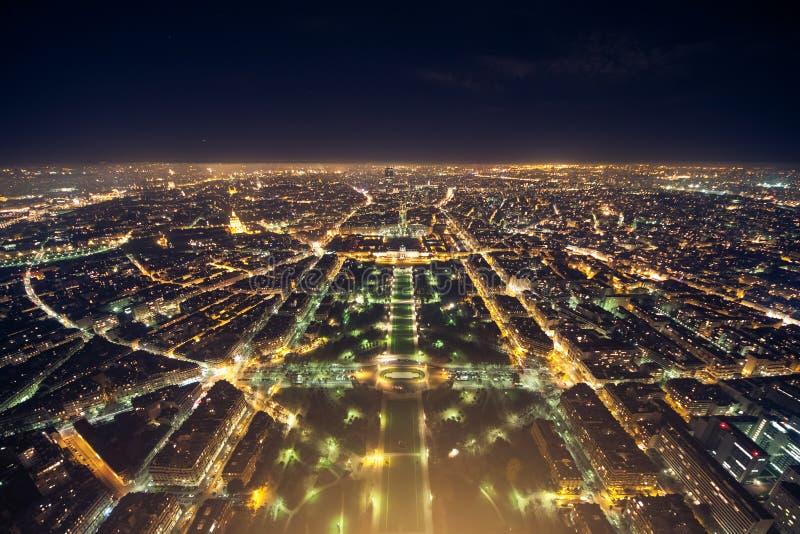 Verbazende nachtmening van de Franse toren van Eiffel; mooie horizon o royalty-vrije stock afbeeldingen