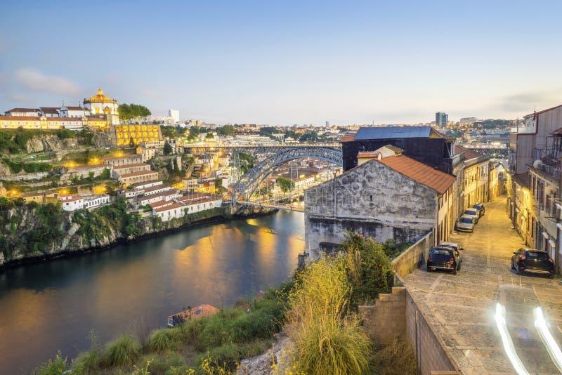 Verbazende stad van Porto met de brug van Eiffel ` s, Portugal stock afbeelding