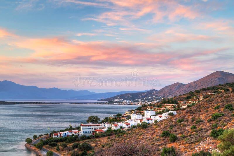 Verbazende Zonsondergang Bij Baai Mirabello Op Kreta Stock Afbeelding