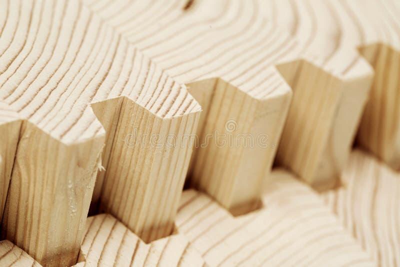 Verbind houten gelamineerd vernisjetimmerhout royalty-vrije stock afbeeldingen