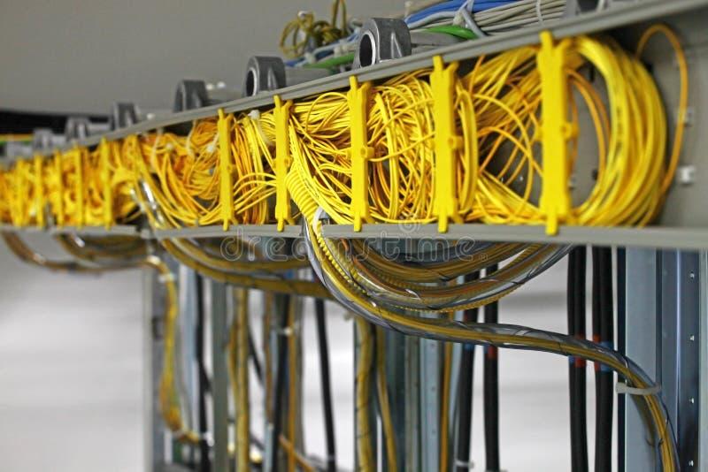 Verbindende kabel voor de digitale apparatuur stock foto's