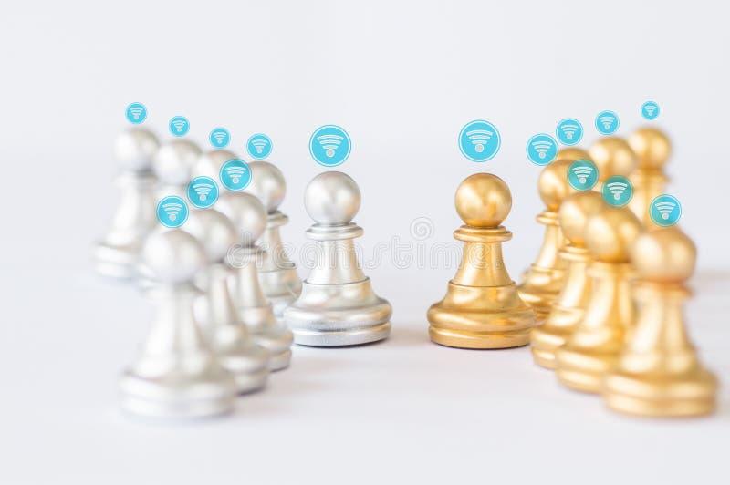 verbinding en netwerkconcept, gouden en grijze en zilveren schaak royalty-vrije stock foto's