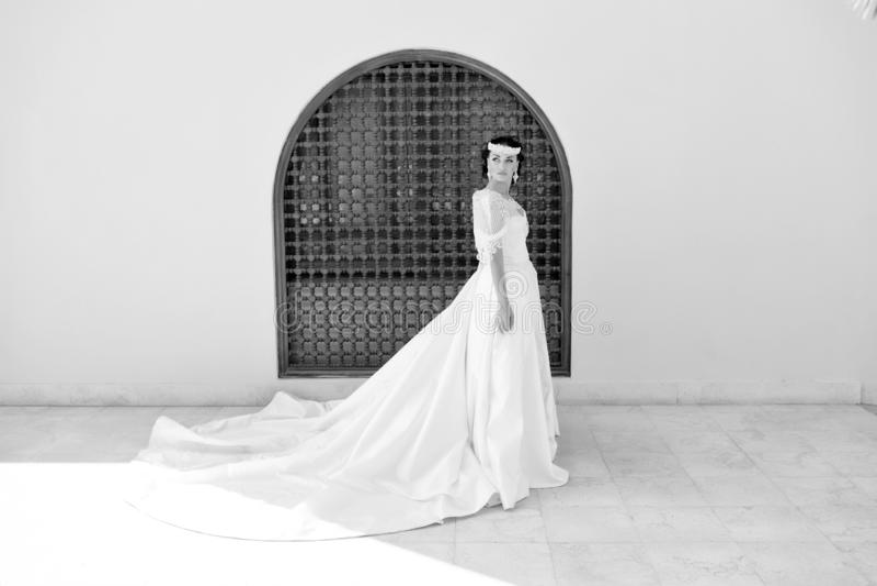 verbindung Trauung der Hochzeit mit schöner Braut Heirat im Sommer Vervollkommnen Sie Blick stockfoto