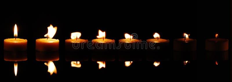 Verblassende Kerze lizenzfreie stockfotografie
