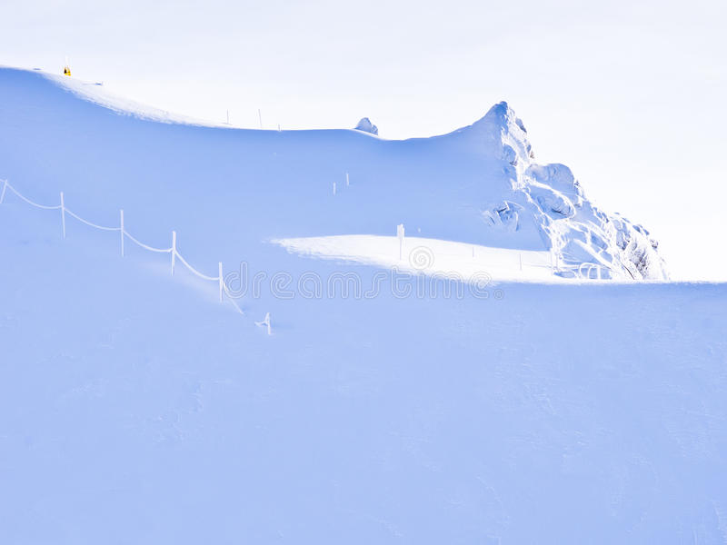 Verblindende bleekheid van de gletsjers van Alpen royalty-vrije stock foto's