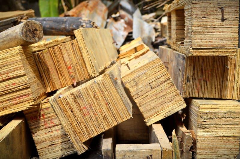 Verborgen houten stapel van art. stock foto