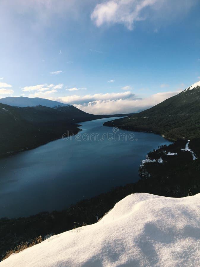 "Verborgen meer of ""lago escondido† in ushuaia, Argentinië royalty-vrije stock afbeelding"